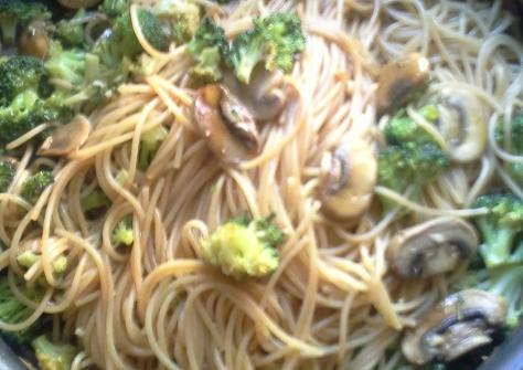 pastaconbrocoliychampinones